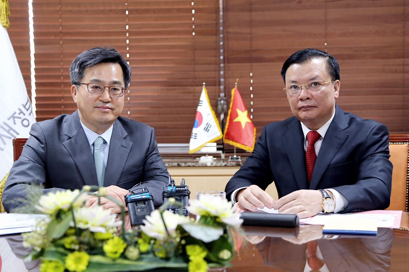 Tăng cường quan hệ hợp tác tài chính giữa Việt Nam và Hàn Quốc