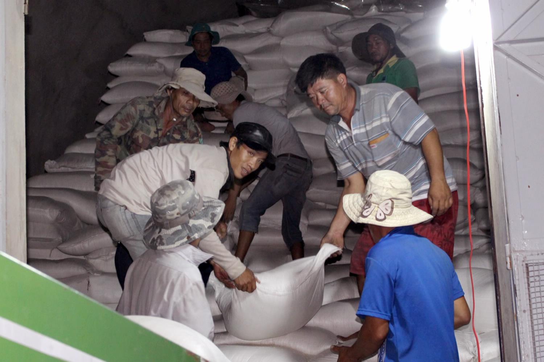 Hơn 160 tấn gạo dự trữ hỗ trợ người dân Kon Tum trong dịp giáp hạt