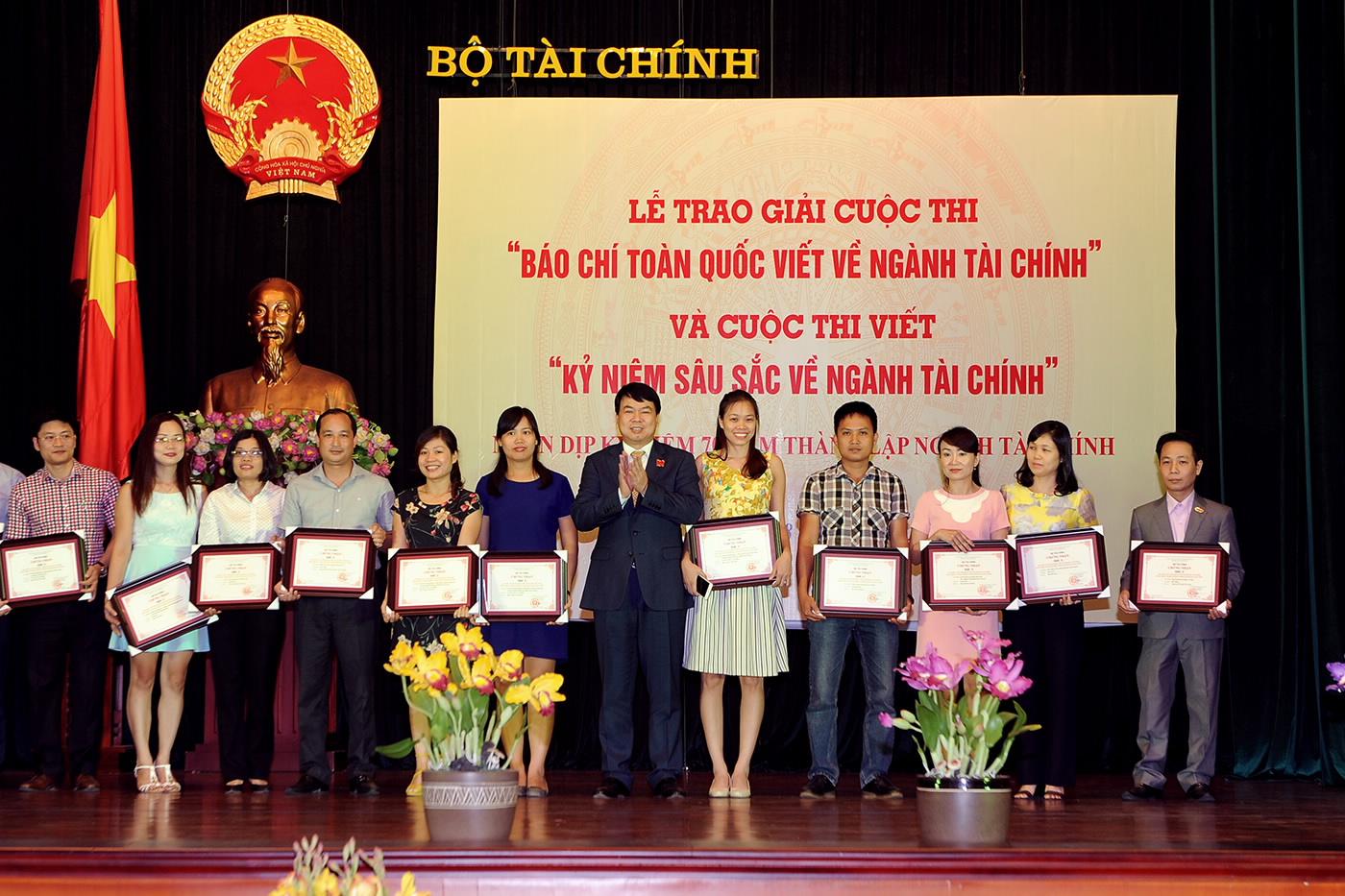 Ngày 20/8: Bộ Tài chính tổ chức trao giải báo chí toàn quốc viết về ngành Tài chính