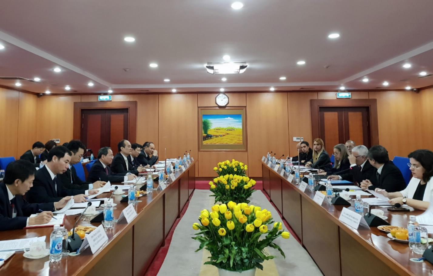 Tăng cường quan hệ hợp tác tài chính Việt Nam - Cuba